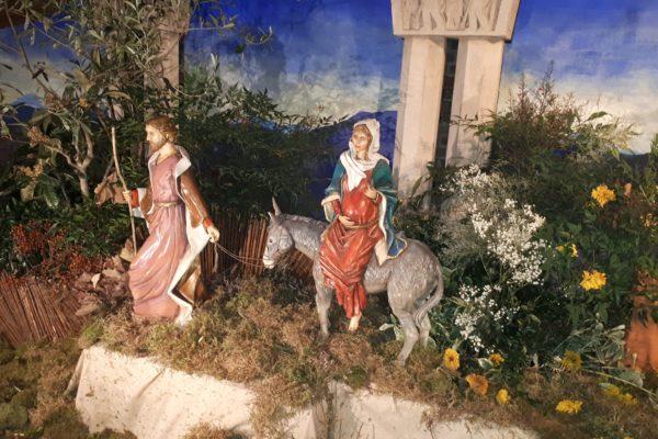 Joseph, Marie et l'âne - crèche de Sainte-Odile Avent 2020 ©E.H./paroisse Sainte-Odile
